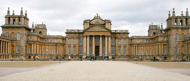 Blenheim palace a monumental stately home in woodstock for Blenheim builders