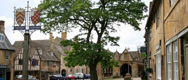 Cotswold towns and villages >>>